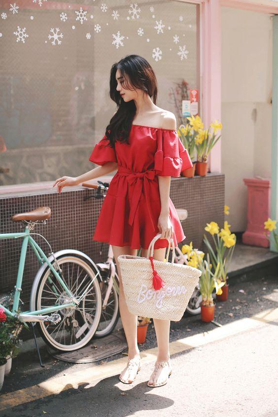 เสื้อผ้าสีแดง