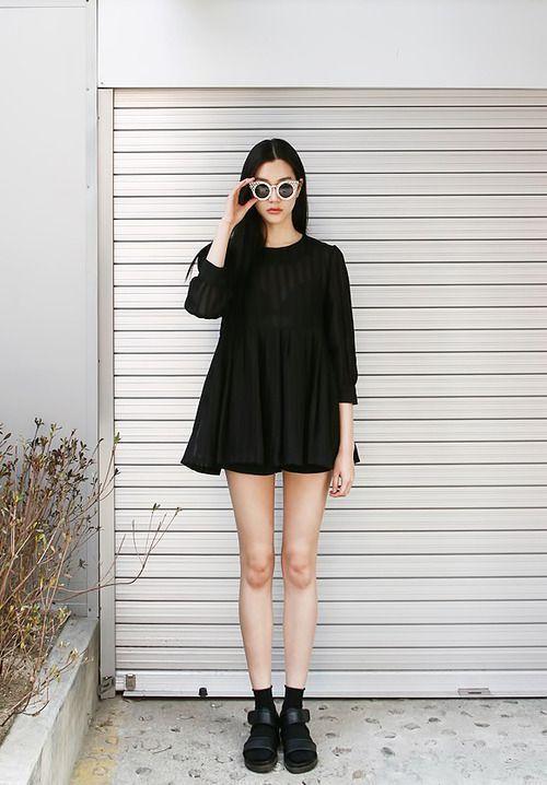 เดรสสีดำ